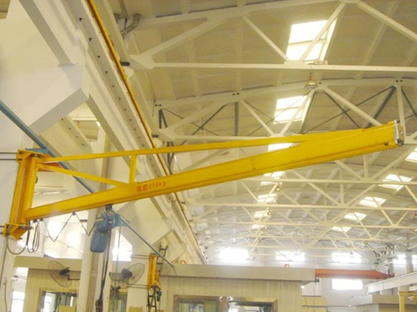 鼎程起重分享操作悬臂起重机需要遵循的原则